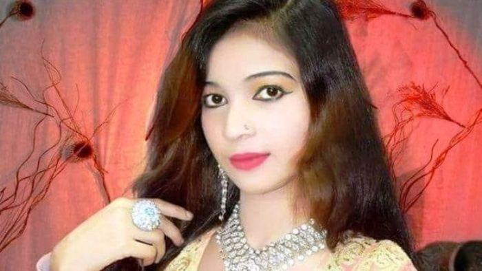 singer samina sindhoo