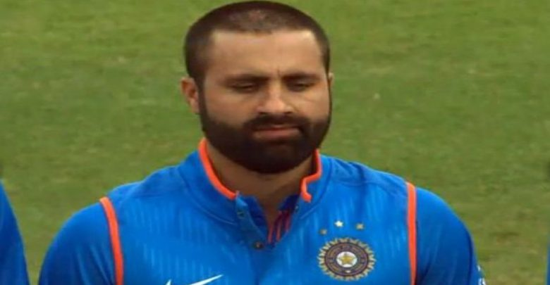 parvez rasool chewing gum team india