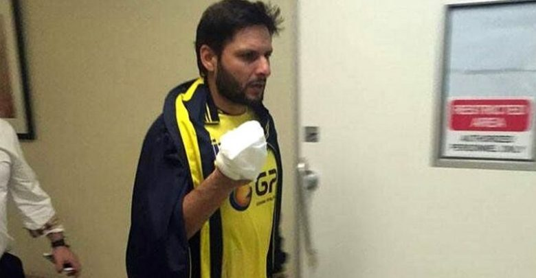 shahid aafridi injured . news at girdopesh.com