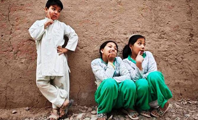 bacha posh in afghanistan article at girdopesh.com