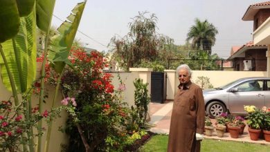 mustansar hussain tararr returns home news at girdopesh.com