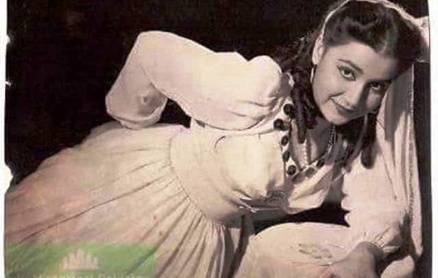 rehana film star girdopesh.com